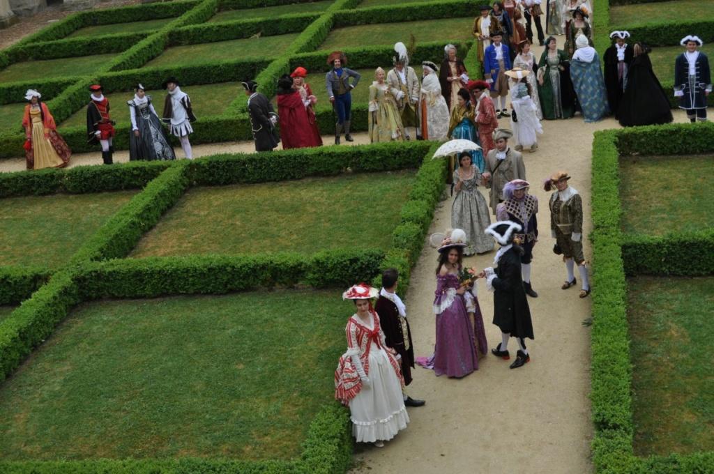 Weekend en costume à l'abbaye de Fontevraud 2010 46627311