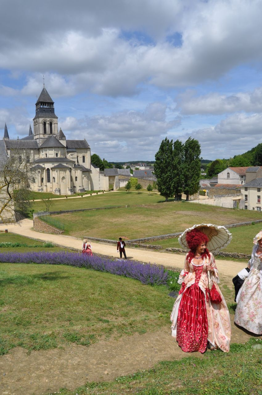 Weekend en costume à l'abbaye de Fontevraud 2010 46633911