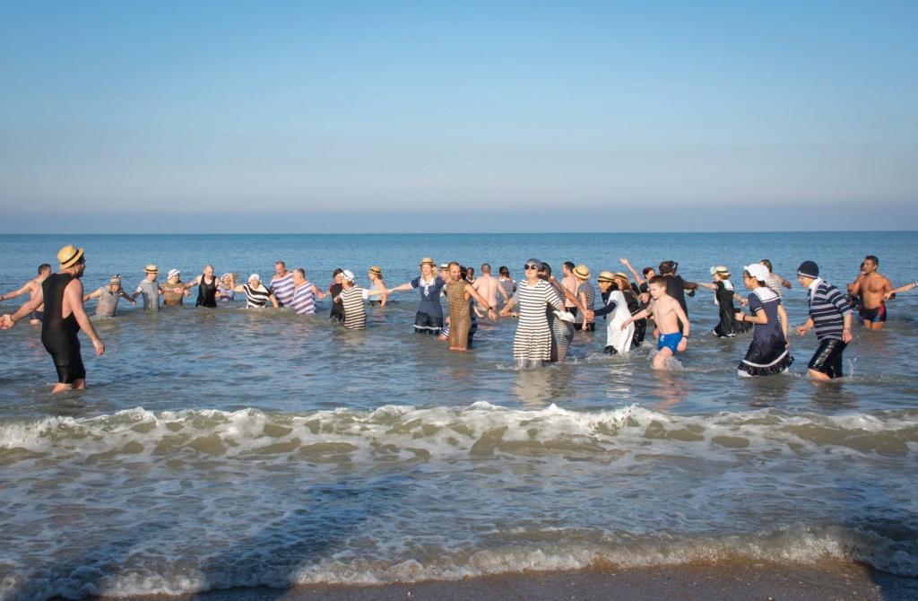Dernier bain de l'année 2019, le 31 Décembre à Cabourg  6b2f5d10