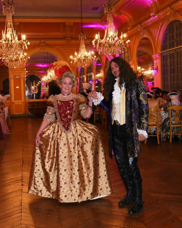 Les photos du Bal en costume XVIII eme siecle, 12 Octobre 2019 à l hôtel de France  - Page 3 71768410