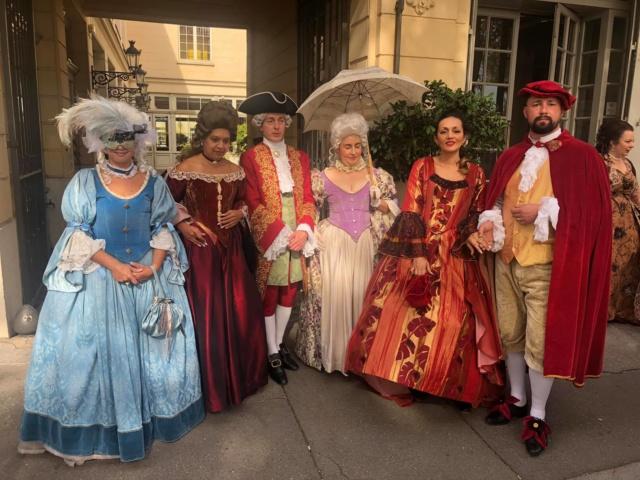 Les photos du Bal en costume XVIII eme siecle, 12 Octobre 2019 à l hôtel de France  - Page 3 72335610
