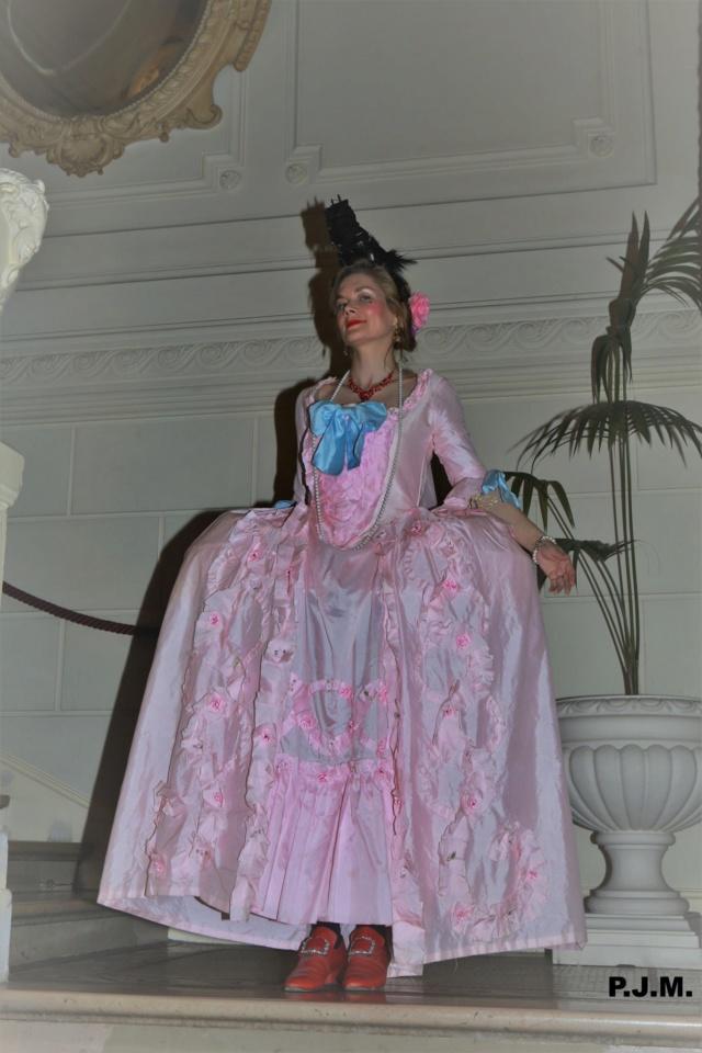 Les photos du Bal en costume XVIII eme siecle, 12 Octobre 2019 à l hôtel de France  - Page 3 72423511
