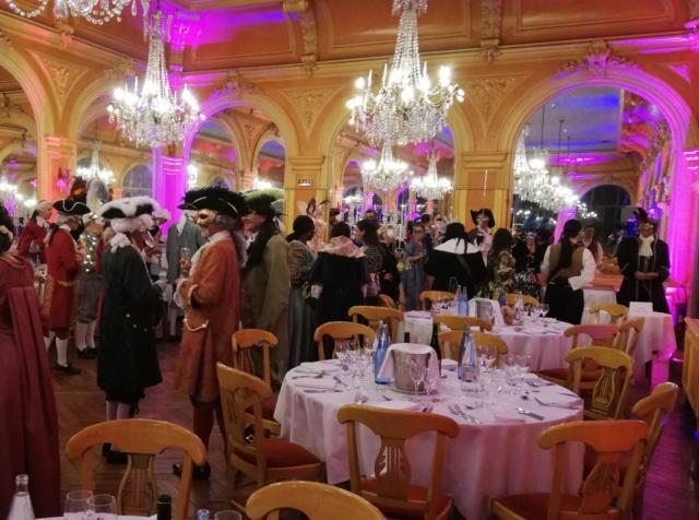 Les photos du Bal en costume XVIII eme siecle, 12 Octobre 2019 à l hôtel de France  - Page 3 72836210