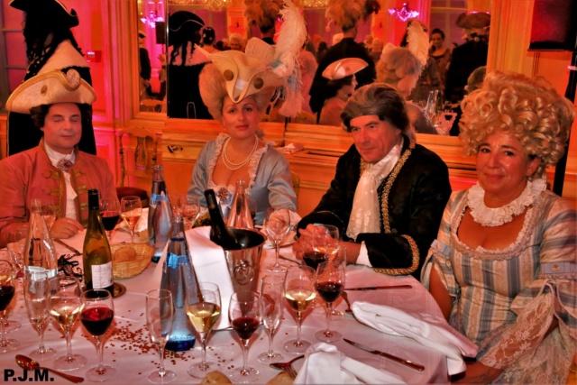 Les photos du Bal en costume XVIII eme siecle, 12 Octobre 2019 à l hôtel de France  - Page 3 74239211