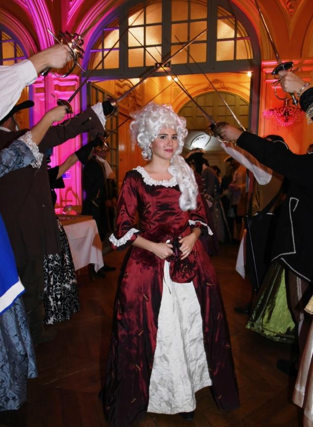 Les photos du Bal en costume XVIII eme siecle, 12 Octobre 2019 à l hôtel de France  - Page 3 Dsc_9310