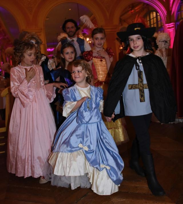 Les photos du Bal en costume XVIII eme siecle, 12 Octobre 2019 à l hôtel de France  - Page 3 Dsc_9313