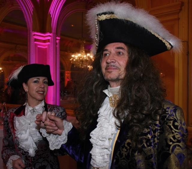 Les photos du Bal en costume XVIII eme siecle, 12 Octobre 2019 à l hôtel de France  - Page 3 Dsc_9410
