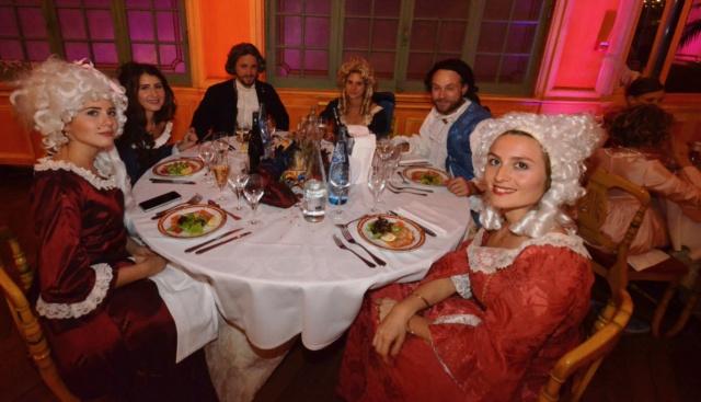 Les photos du Bal en costume XVIII eme siecle, 12 Octobre 2019 à l hôtel de France  - Page 3 Dsc_9414