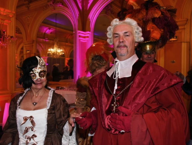 Les photos du Bal en costume XVIII eme siecle, 12 Octobre 2019 à l hôtel de France  - Page 3 Dsc_9425