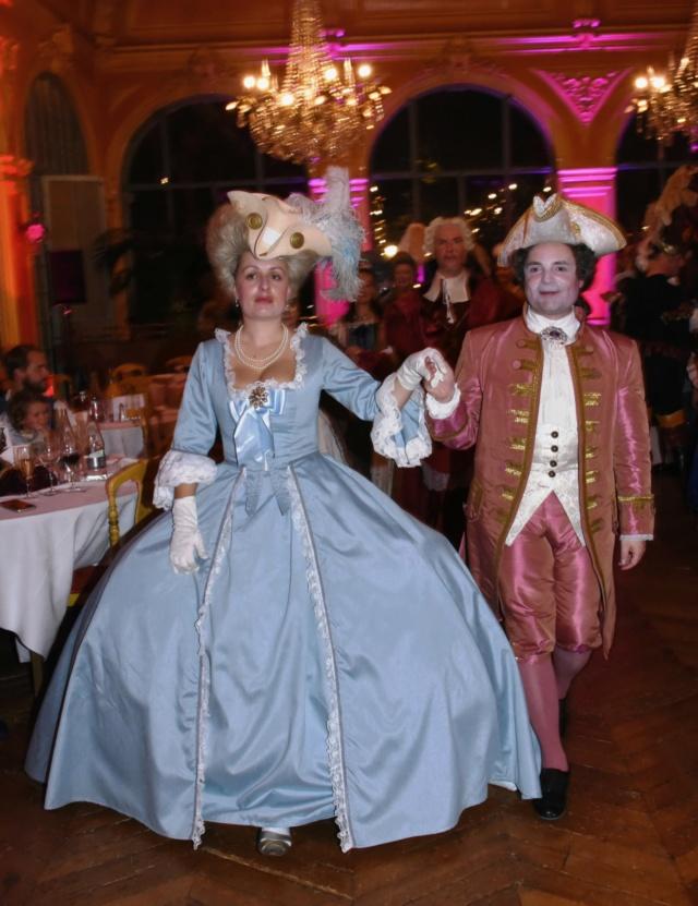Les photos du Bal en costume XVIII eme siecle, 12 Octobre 2019 à l hôtel de France  - Page 3 Dsc_9510
