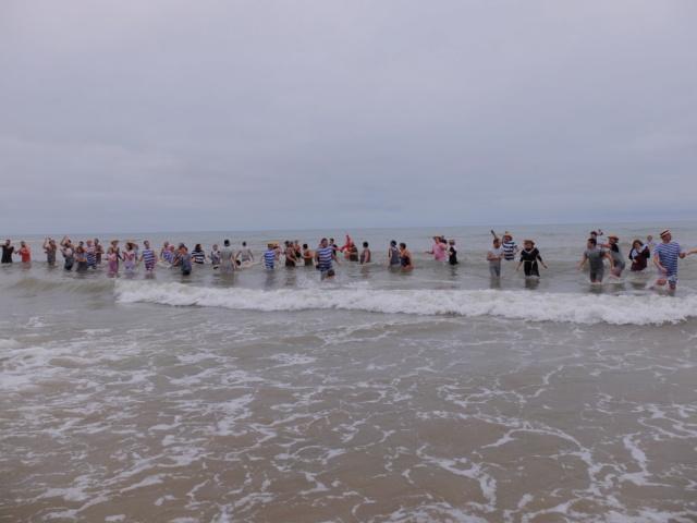 Dernier bain de l'année 31 /12/ 2018  à Cabourg et les  Photos Fuji3110