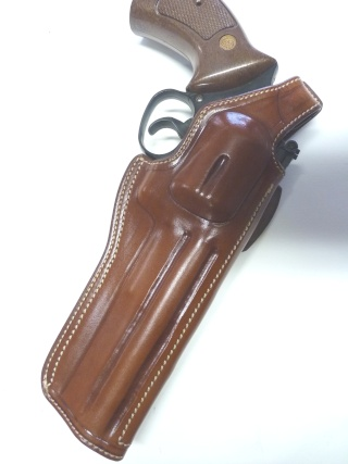 HOLSTERS REVOLVERS et AUTOS by SLYE P1110310