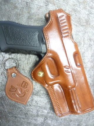 HOLSTERS REVOLVERS et AUTOS by SLYE P1110537