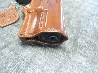 HOLSTERS REVOLVERS et AUTOS by SLYE P1110538