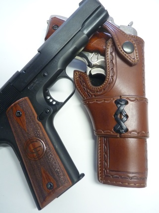 "HOLSTER type ""HEISER pour 1911 by la SELLERIE P1110831"
