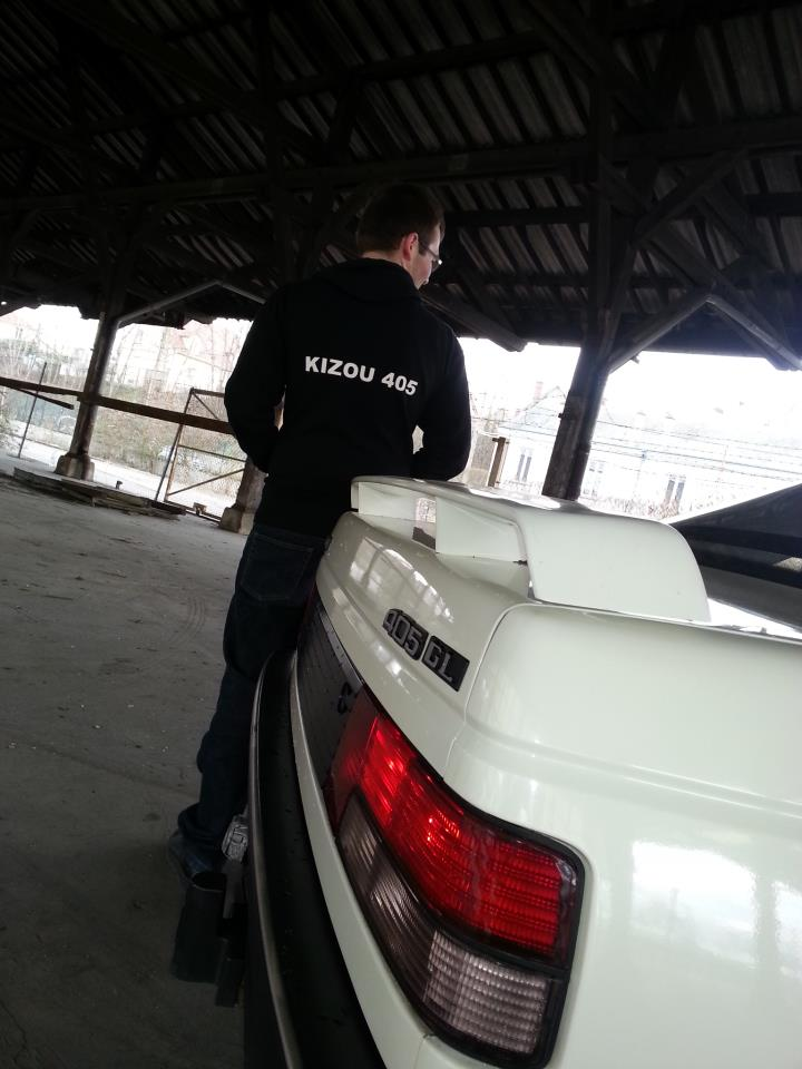 [GL + Husky-28] Peugeot 405 GL et Husky et autre discussion Img26010