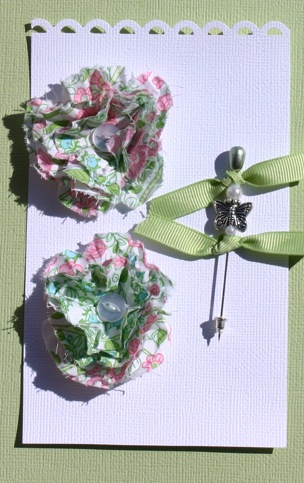 Fabric Flowers with Stick Pins Pictur16