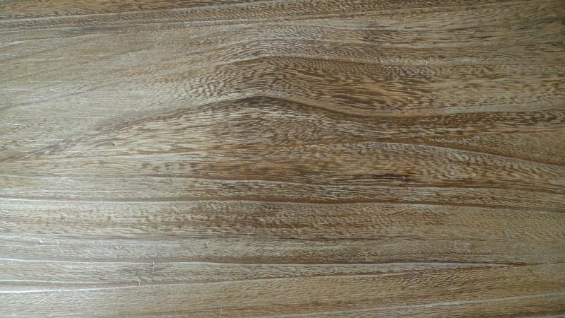 Help ...bêtises du WE  (paraffine sur du bois)+ autre L1090318