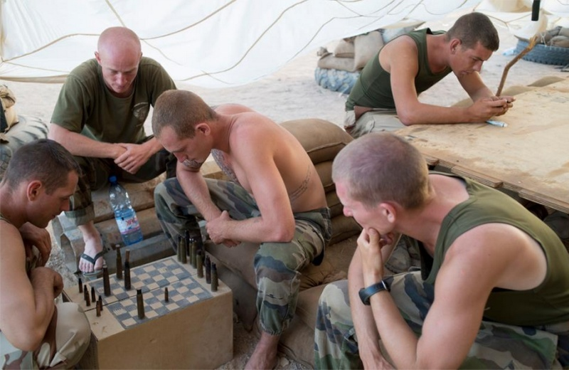 Les RepMan jouent aux échecs. 2rep10