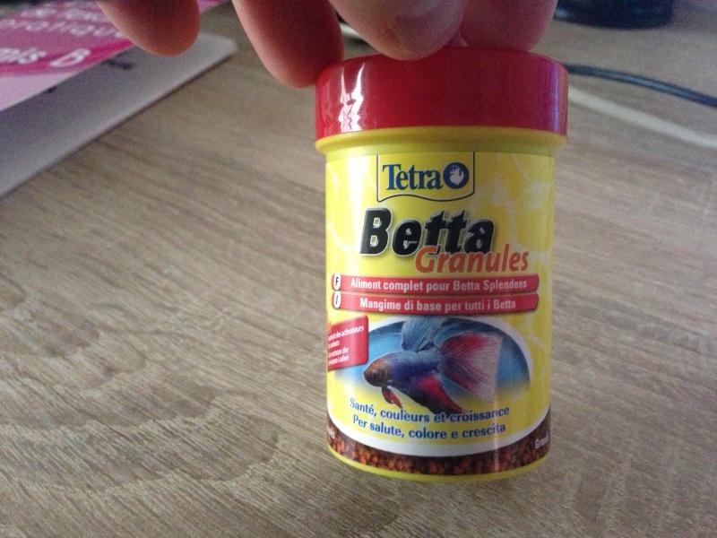 combien de granule pour mon betta?? Img_1511