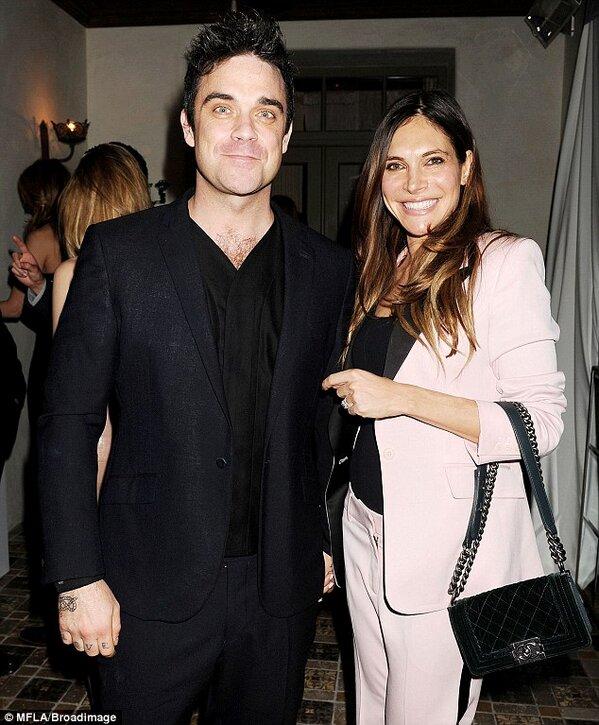 Robbie et Ayda aux Grammy awards 12.02.13 Bc520b10