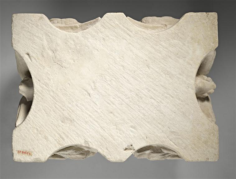 Pour un musée de la basilique et des tombeaux royaux - Page 2 18-51713