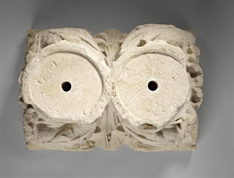 Pour un musée de la basilique et des tombeaux royaux - Page 2 18-51714