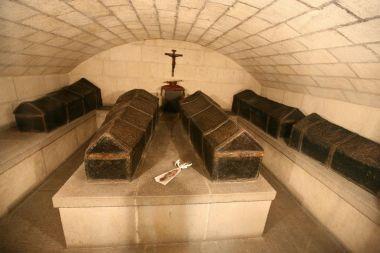 la chapelle royale de grenade derniers de repos des roi s catholiques Isabelle et Ferdinand  Crbst_11
