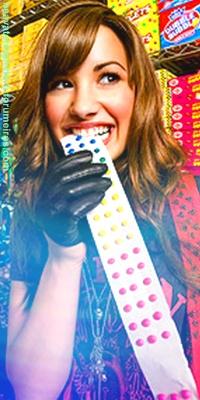 Demi Lovato Sem_ta30