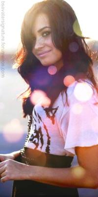Demi Lovato Sem_ta36