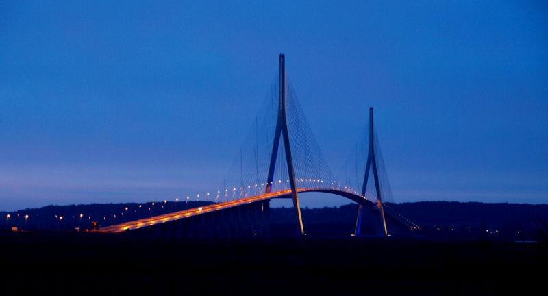 Le solei se lève au pont de Normandie Pont0610