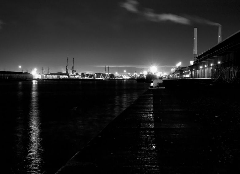 Le port à l'aube... Port0110
