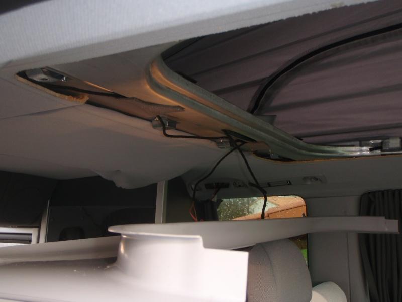Installer un convertisseur sous la Glacière du Viano MP. P3090011