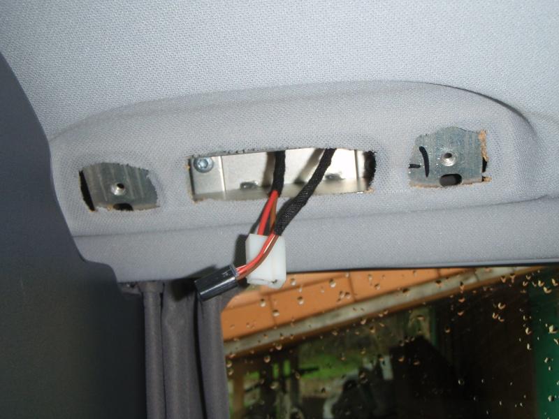 Installer un convertisseur sous la Glacière du Viano MP. P3090012