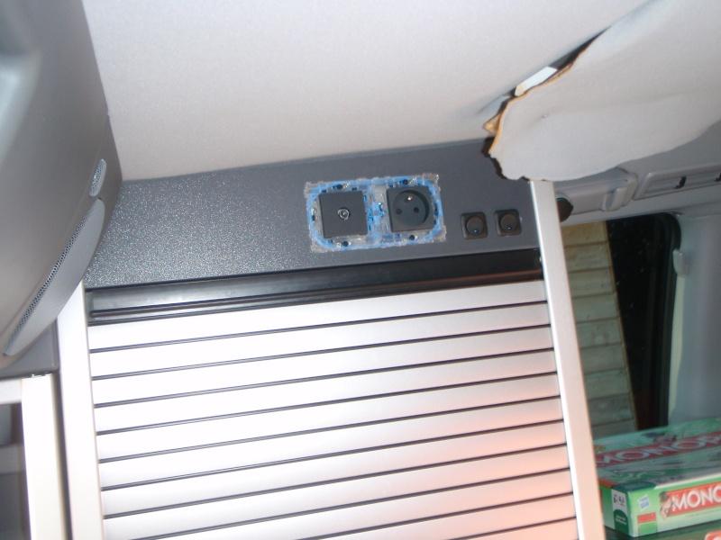Installer un convertisseur sous la Glacière du Viano MP. P3090014