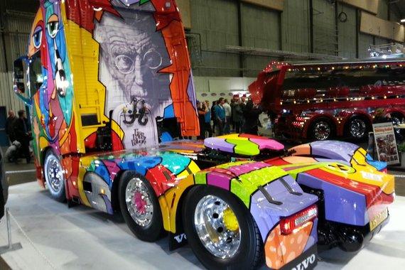 Camions décorés 88280010