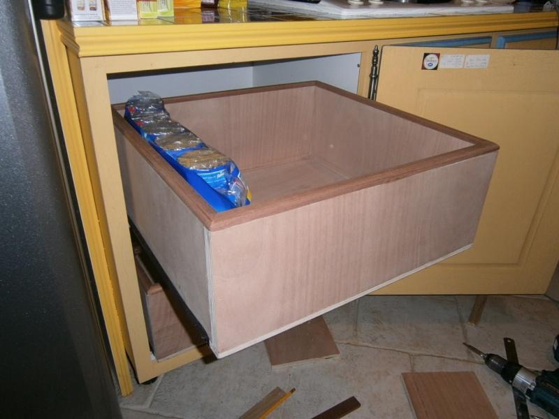 fabrication tiroirs en remplacement d'une étagère P3061417