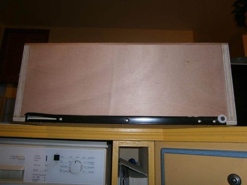 fabrication tiroirs en remplacement d'une étagère P3081417