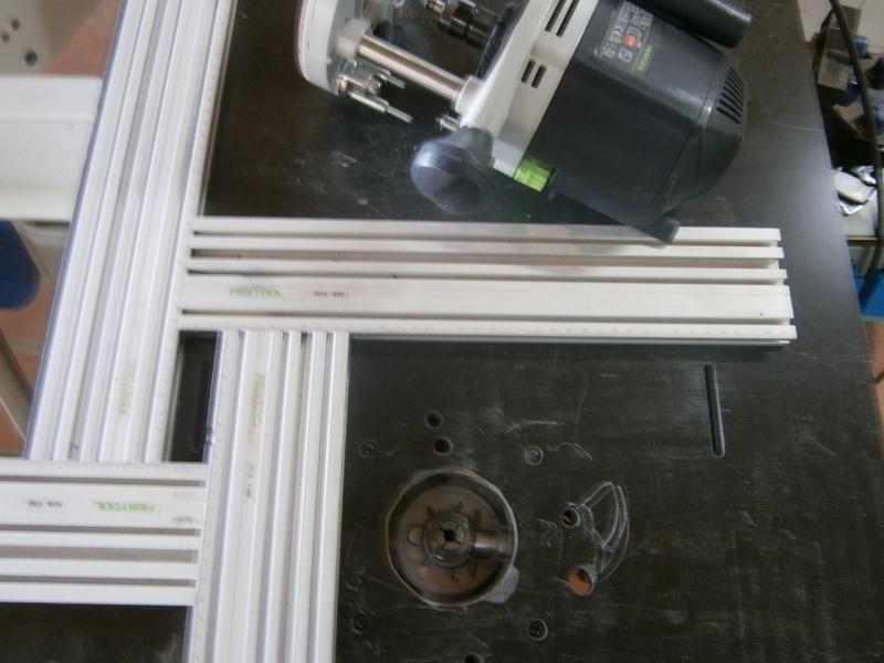 Table sans prétention pour défonceuse Triton MOF 001 1400W P3101512