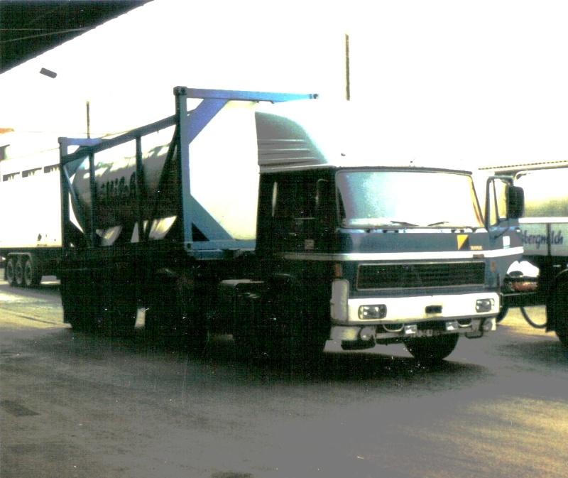Ein himmelblauer Liaz 022710