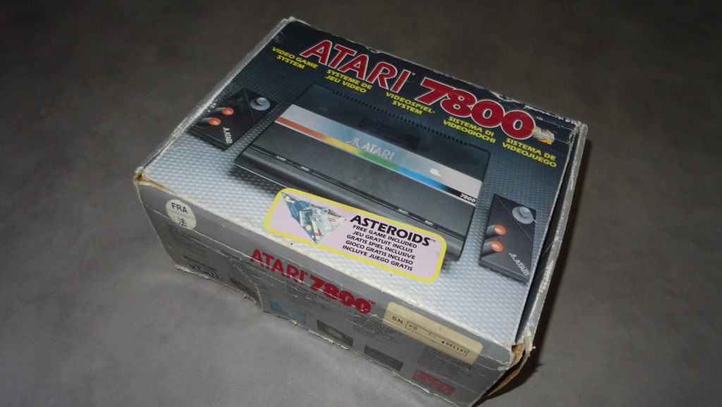 Boîte Atari 7800 Dsc01011