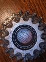Aidez-moi à trouver la marque de ma roue libre  !  00000i10