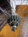 Aidez-moi à trouver la marque de ma roue libre  !  Img_2012