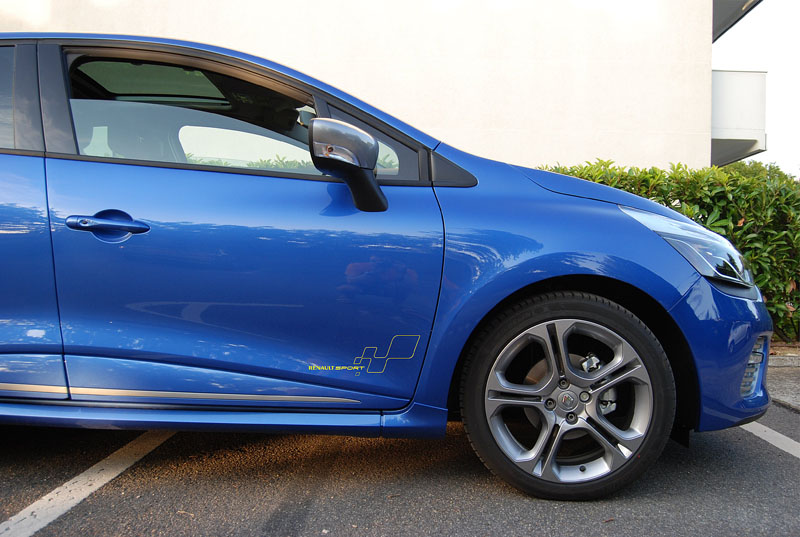 CLIO 4 GT (bleu Malte) - Page 2 Deco_c10