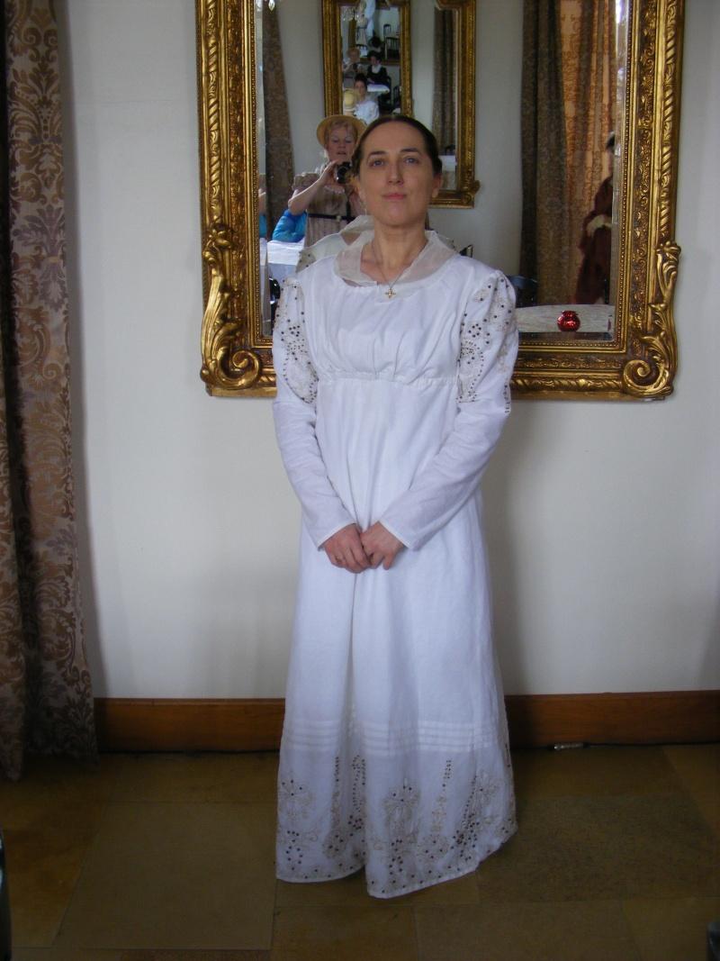 [Histo] Bien habillée par 3 tenues Dscf0812