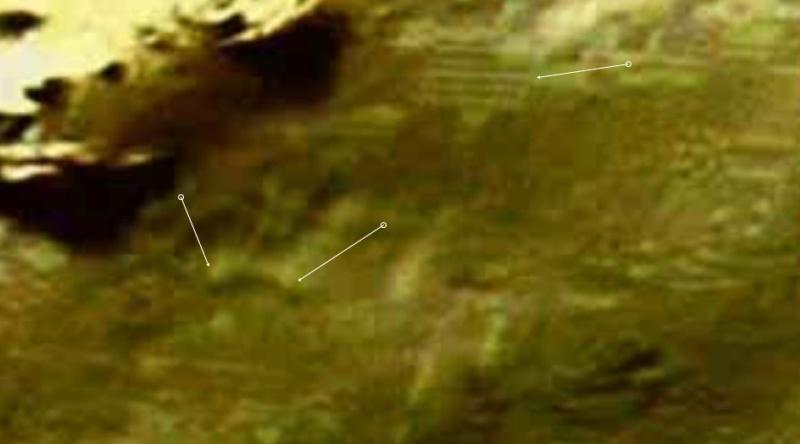Mars: Le cratère Hale Ovni_r10