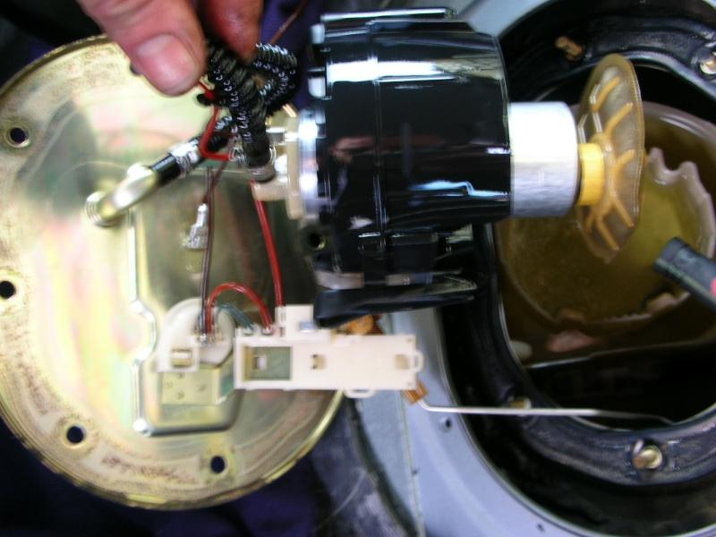 changement pompe immergée réservoir Dscn8717