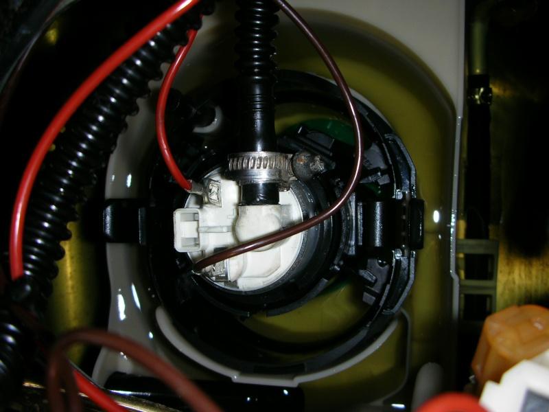 changement pompe immergée réservoir Dscn8720