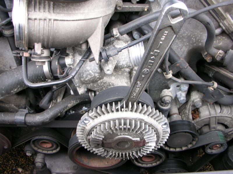 changement pompe a eau V8  Dscn8830