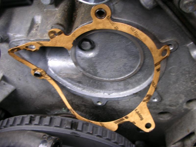 changement pompe a eau V8  Dscn8834